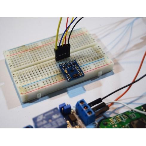 Activate a Remote Control Using a Gesture Sensor